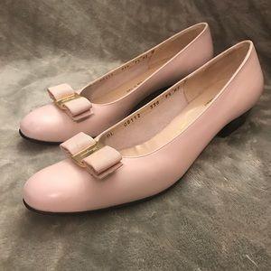 Salvatore Ferragamo Vara Baby Pink Leather Shoes🎀